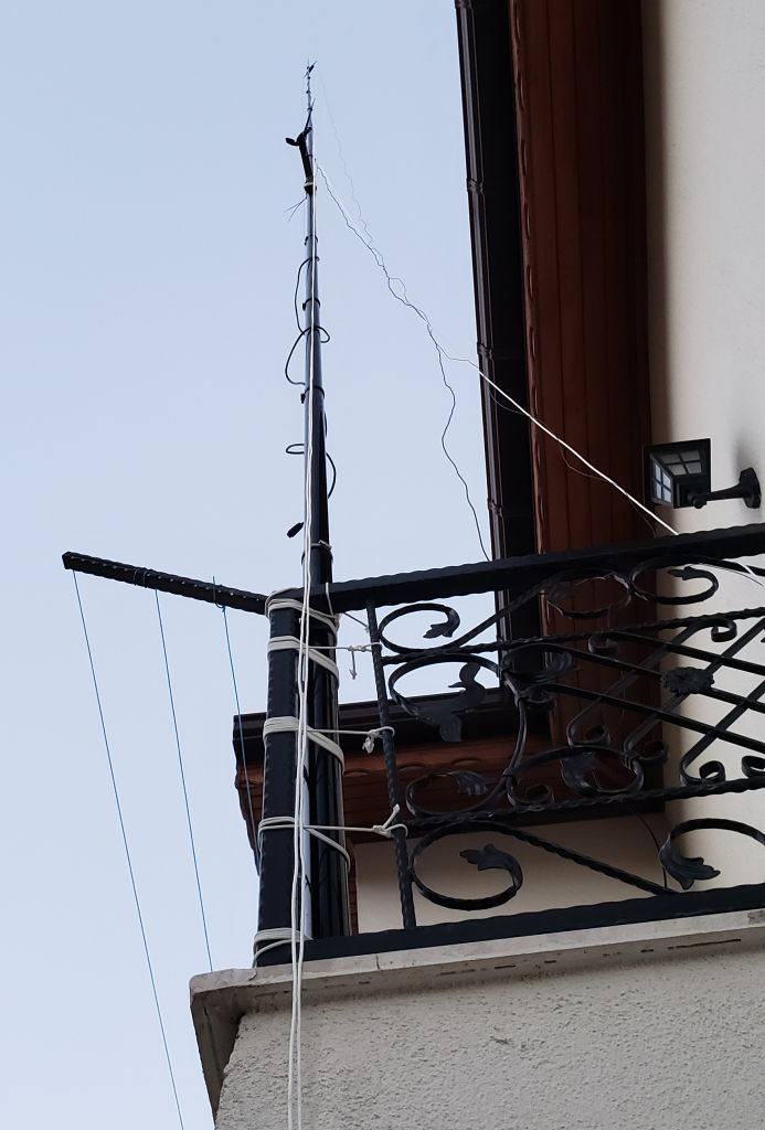 You are browsing images from the article: Model 404-UL antenna