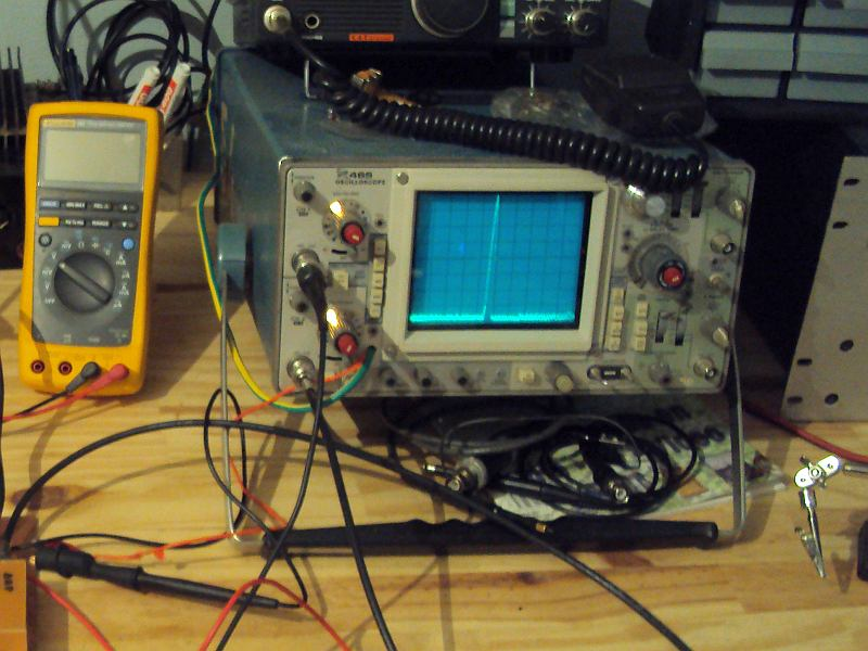 You are browsing images from the article: Spectrum analyser by Gabriel Cañamero